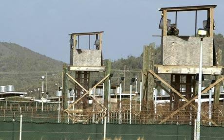 Prisoners escape after guards put dummy in watch tower